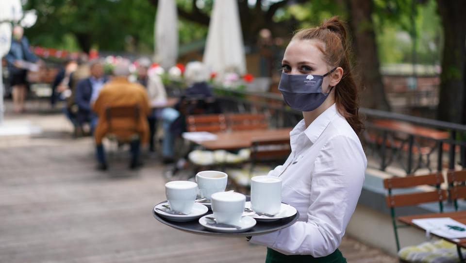 Für geöffnete Hotels, Cafes und Restaurants gelten zahlreiche Auflagen - eine Übersicht