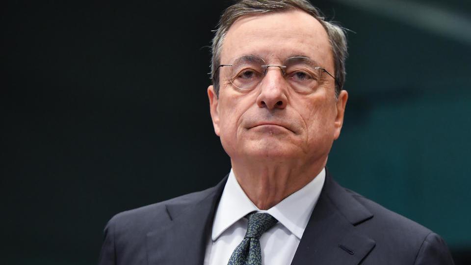 EZB teilt supergünstige Darlehen an Europas Banken aus