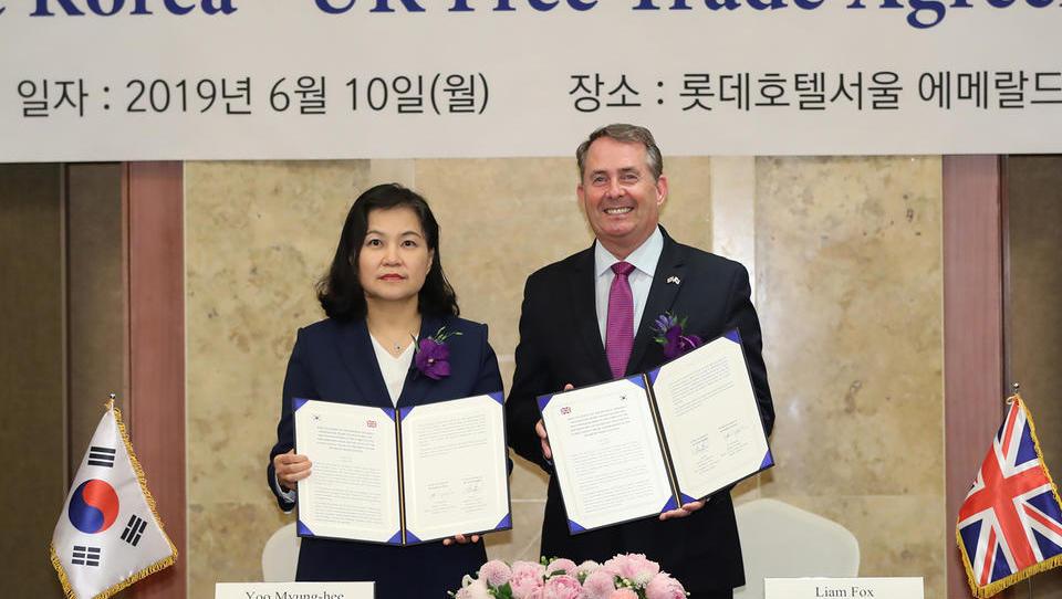 Großbritannien unterzeichnet Handelsabkommen mit Südkorea
