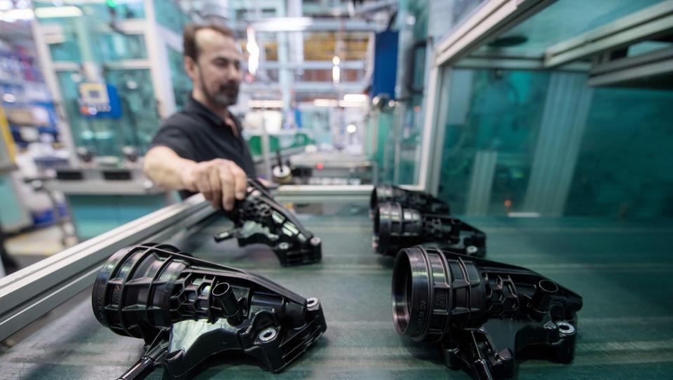 """""""Schläge unter die Gürtellinie"""": Autobauer setzen Zulieferer massiv unter Druck"""
