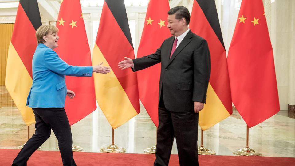 Will Angela Merkel die deutsche Wirtschaft an China verschachern?