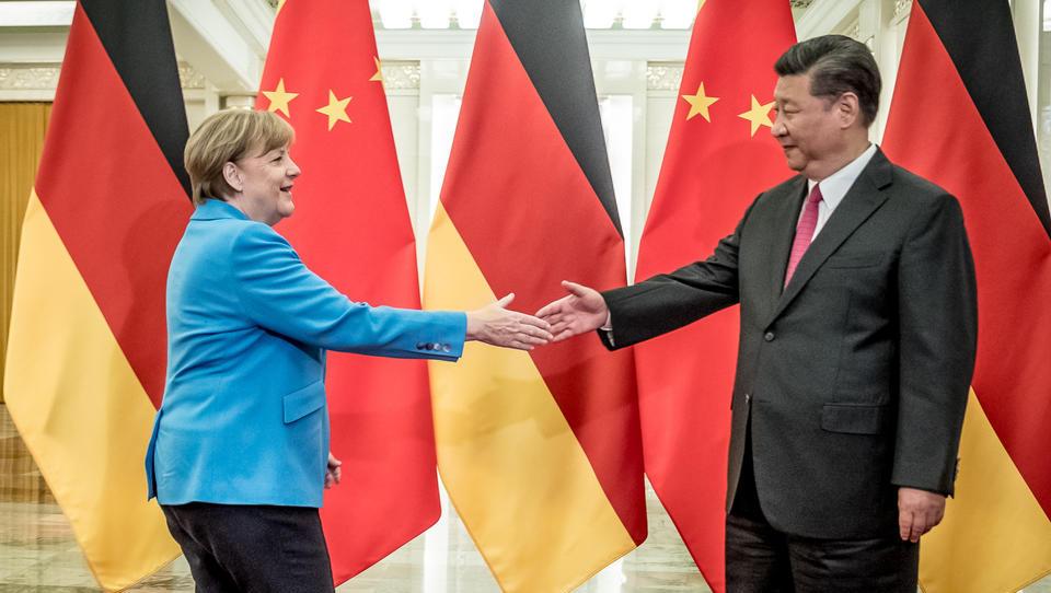 Wegen China und Nord Stream 2: Merkel hat die USA zweimal in die Pfanne gehauen