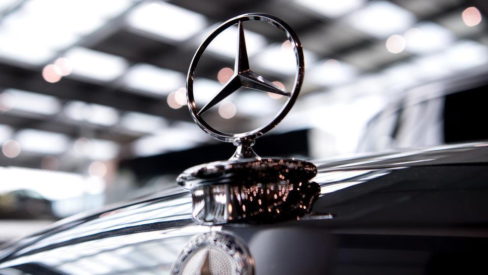 Nach VW-Skandal: Jetzt reichen Verbraucherschützer Diesel-Klage gegen Daimler ein