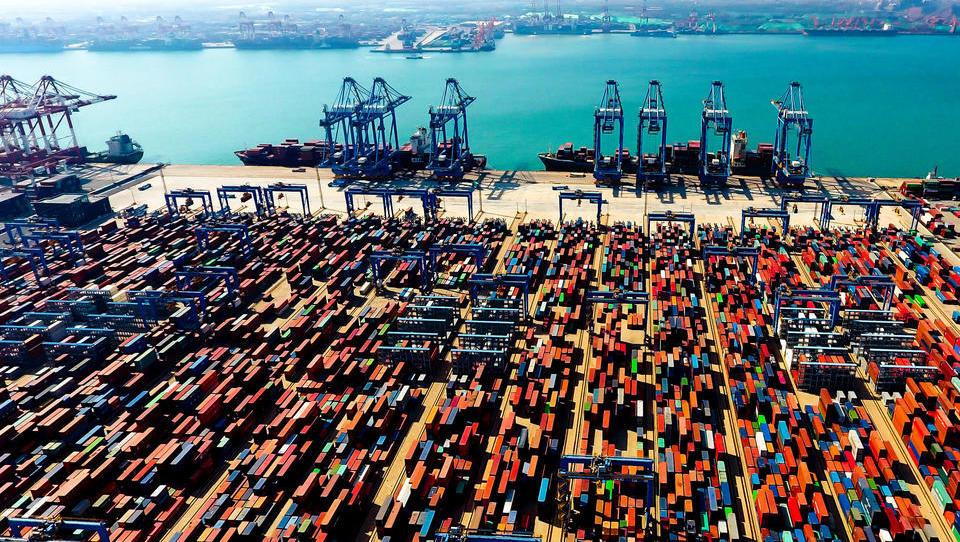 """""""Die Container sind rappelvoll"""": Der Seehandel steht am Rande des Kollaps"""