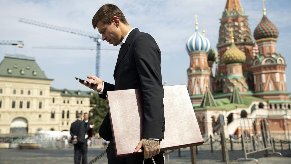 Medwedew: Wenn Amerika uns den Internet-Zugang kappt, können wir von nun an unser eigenes Netzwerk nutzen