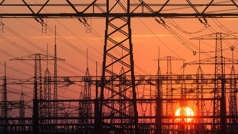 Energie-Krise in Deutschland: Immer mehr Firmen müssen die Produktion einstellen