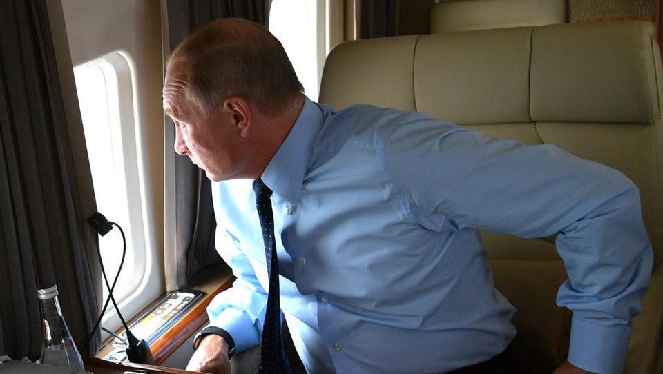 Größtes russisches Flugzeug mit Hilfsgütern in New York gelandet