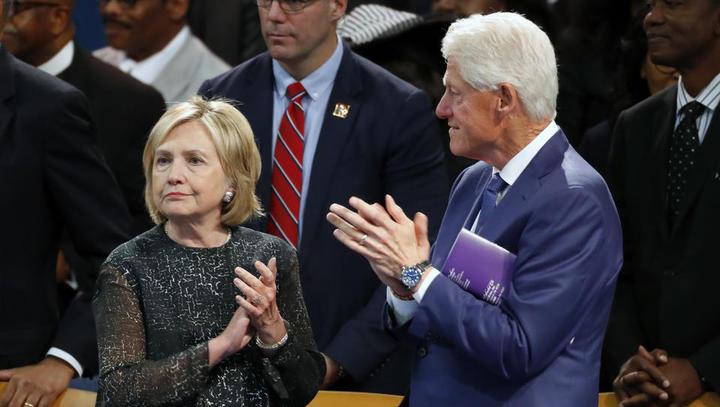 Pädophilie-Skandal: US-Bezirksrichterin lässt Namen von Bill Clinton und anderen Prominenten schwärzen