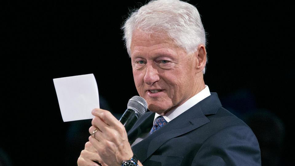 """Bill Clinton flog 26 Mal mit dem """"Lolita Express"""" des Pädophilen Epstein"""