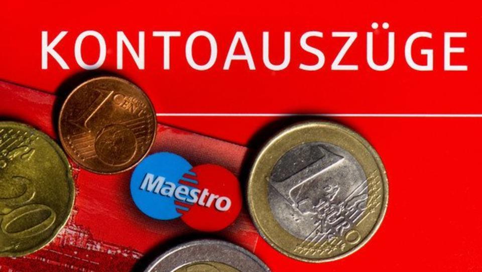 Sparkassen bereiten Kunden auf Weitergabe der EZB-Strafzinsen vor