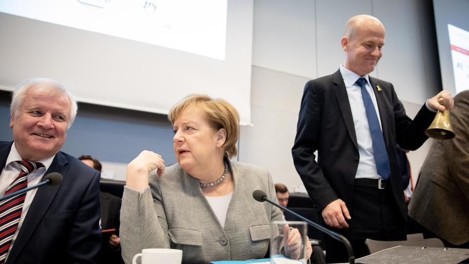 Migrantenstreit in der CDU: Fraktionschef Brinkhaus brüllt Innenminister Seehofer an