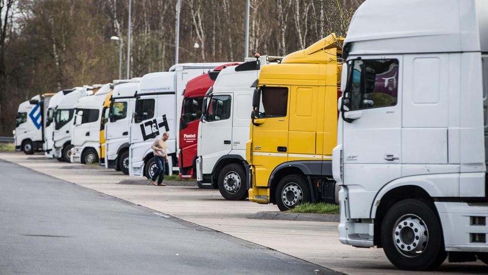 Erhebliche technische Mängel: Jeder fünfte LKW fällt durch TÜV-Hauptuntersuchung