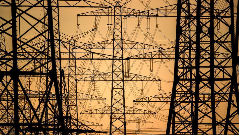 DWN-SPEZIAL - Deutschlands Stromnetz ist akut gefährdet, es droht eine Strommangel-Wirtschaft