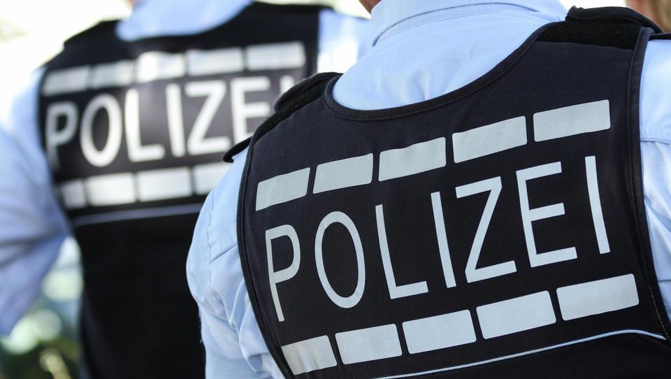 """Berliner Polizisten dürfen ihre """"extremistischen"""" Kollegen künftig anonym melden"""