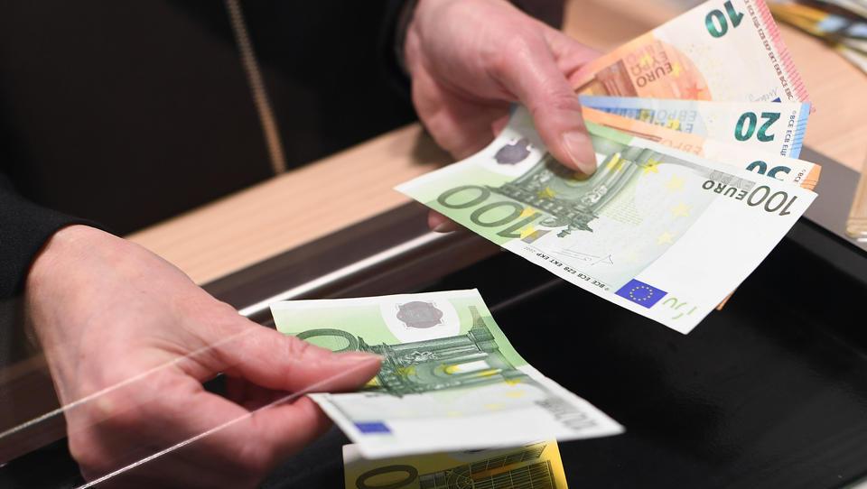 Bargeld-Nachfrage steigt weltweit deutlich an