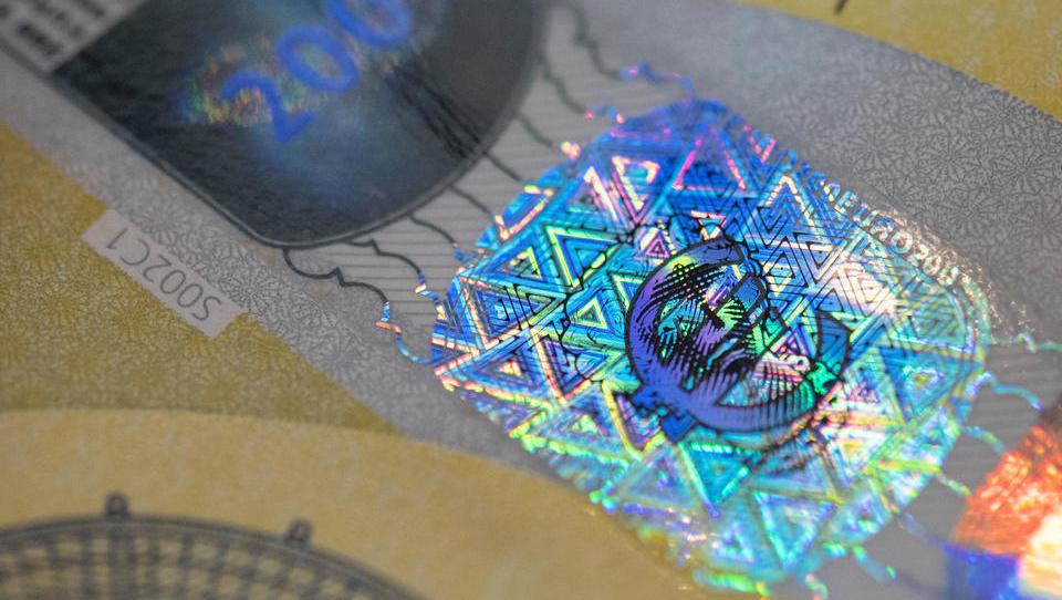 Corona-Krise: Besitz von Bargeld muss im Grundgesetz verankert werden