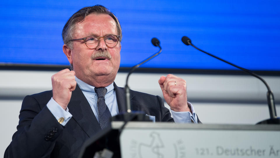 Weltärztebund-Chef fordert Impfpflicht gegen Corona