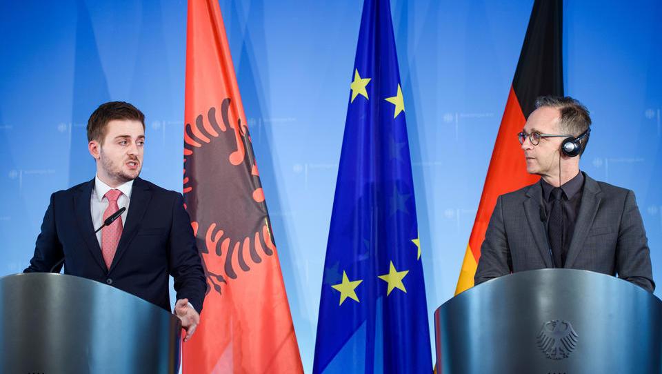 EU beginnt Beitrittsgespräche mit Albanien und Nord-Mazedonien
