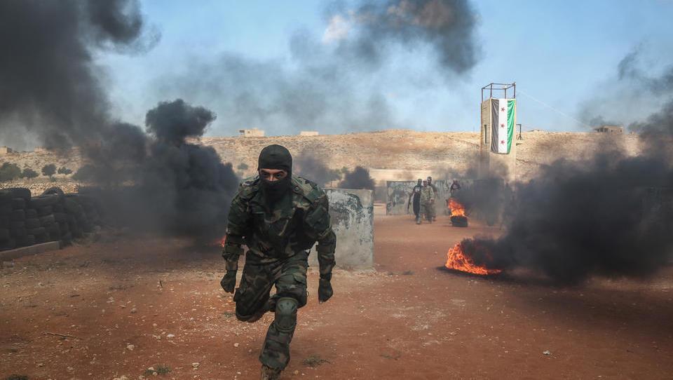 Massenflucht aus Idlib: Zehntausende Syrer auf dem Weg in die Türkei