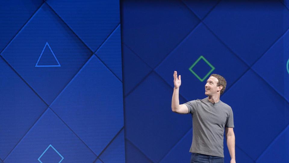 Facebook: Neues Armband soll Gedanken und Bewegungen von Nutzern kontrollieren