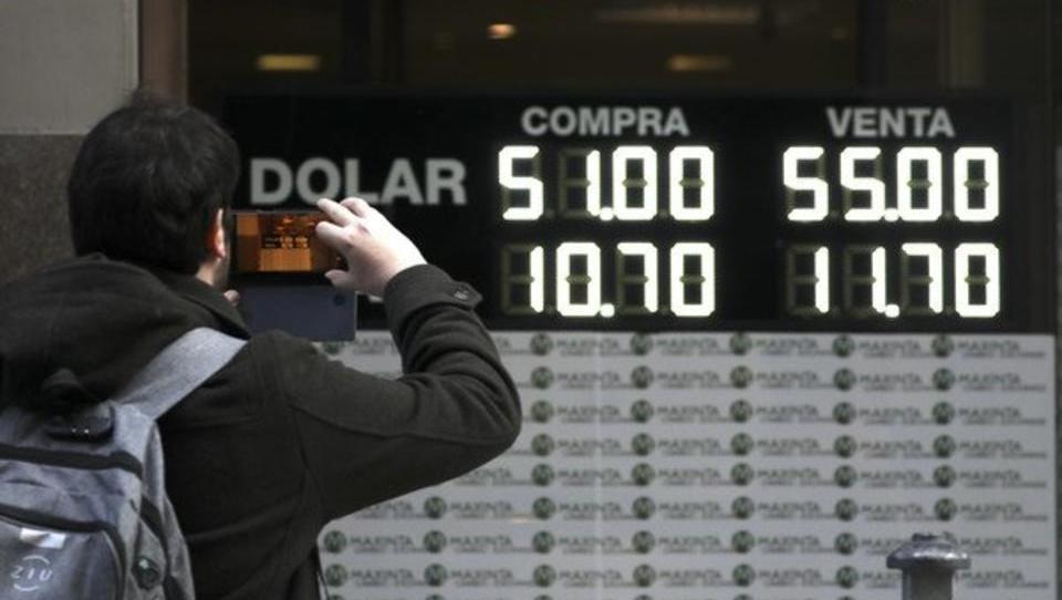 Krise flammt wieder auf: Kurs des argentinischen Peso bricht ein