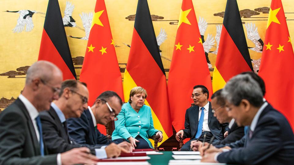 Merkel in China: Deutsche Unternehmen schließen 11 Verträge ab