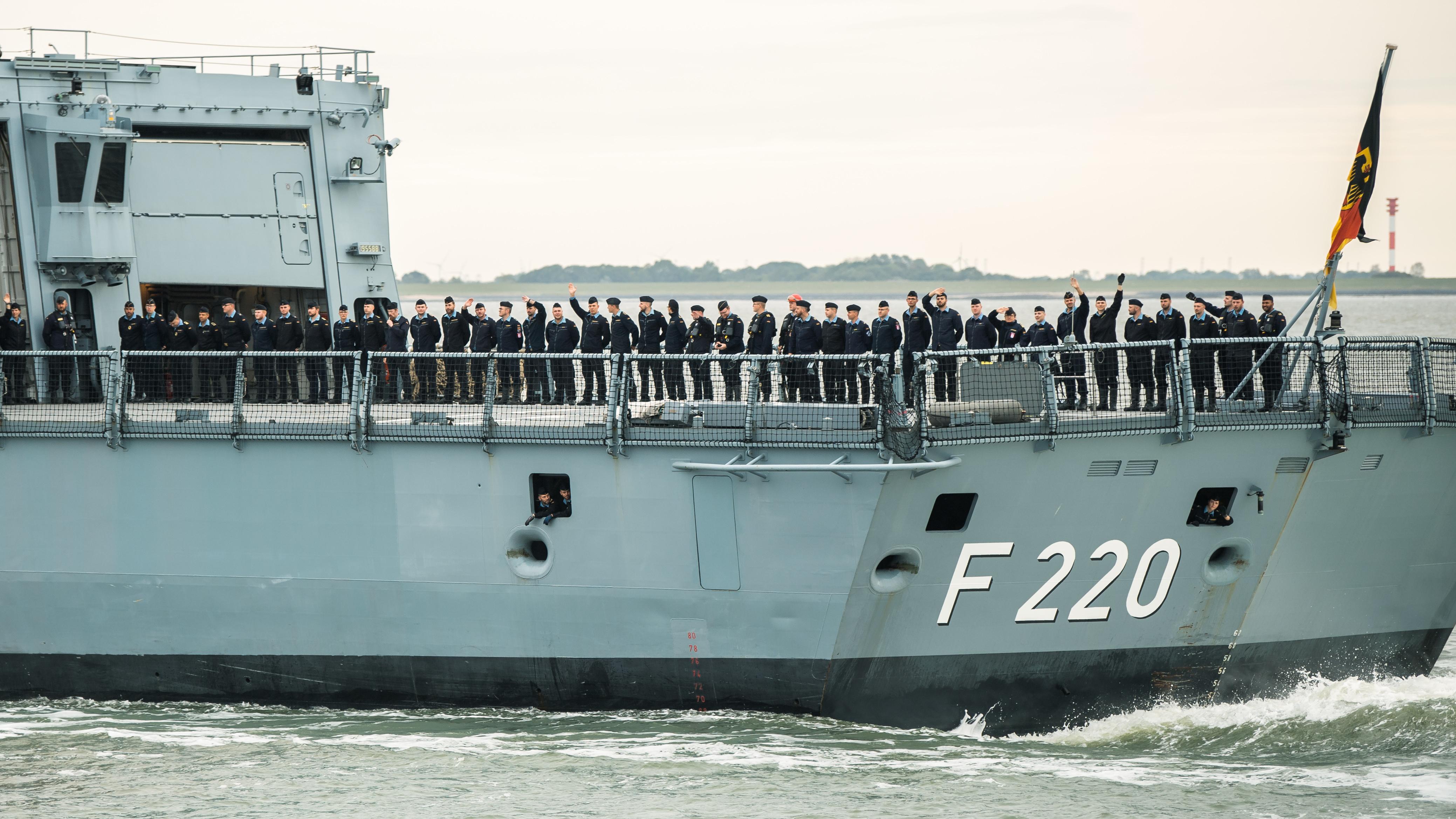 Im Auftrag der Kanzlerin: Deutsche Fregatte bricht nach Libyen auf