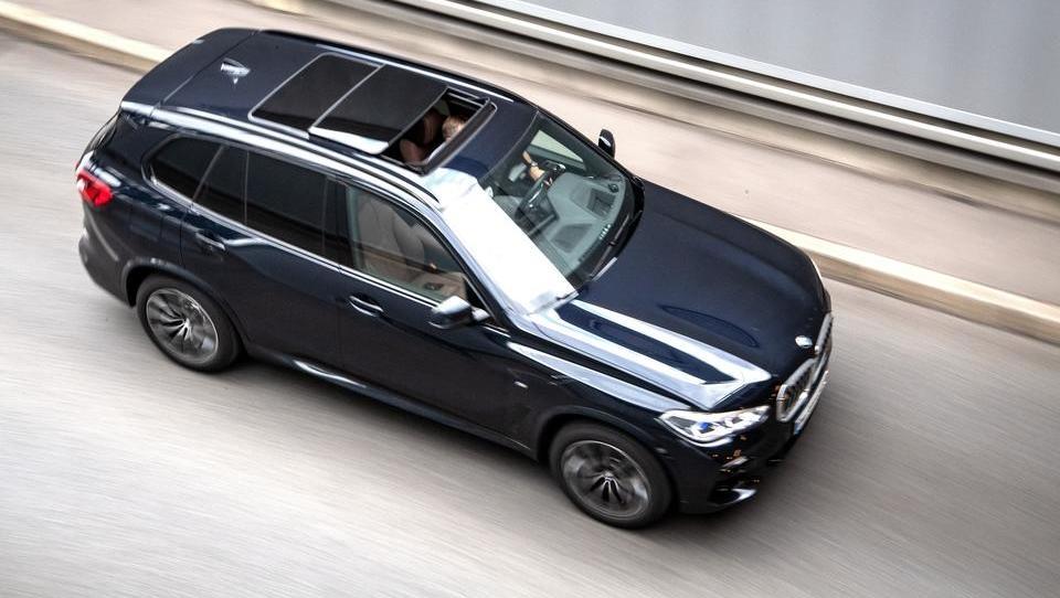 Immer mehr PS: Schaufeln sich Deutschlands Autobauer mit ihren riesigen SUVs ihr eigenes Grab?