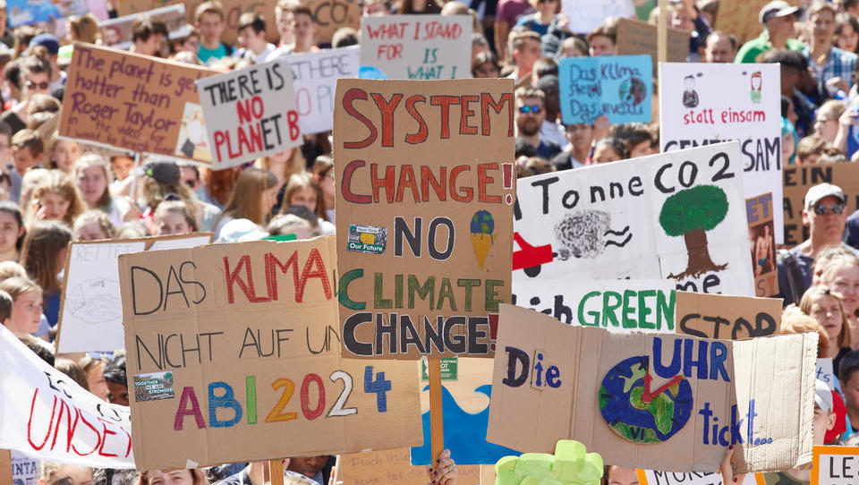 """Bundesregierung will mit Klimaverträgen Industrie """"grün"""" machen"""