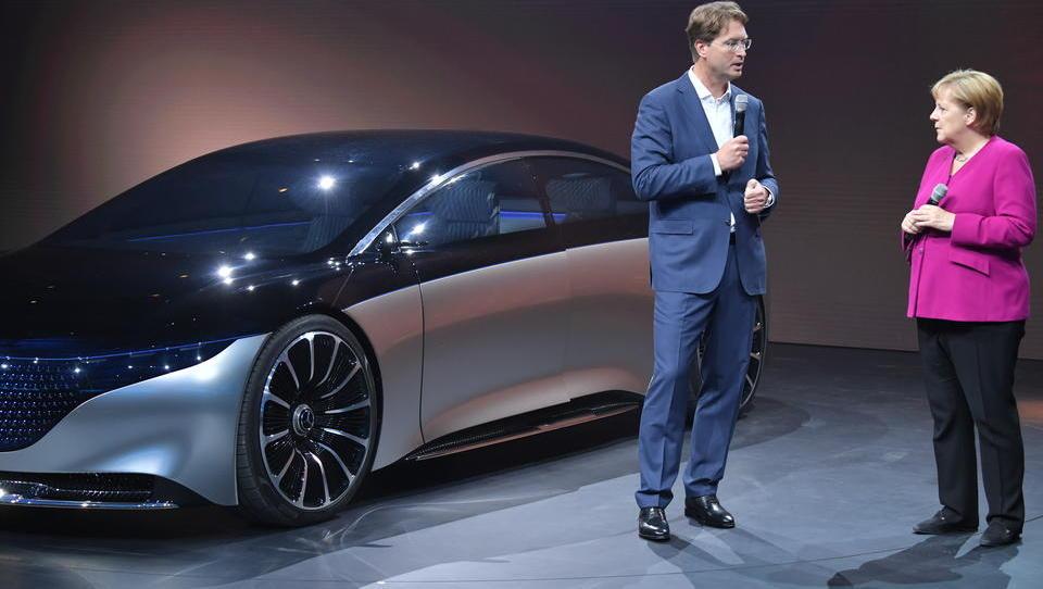 Insider: Merkel macht Druck, drängt Autobauer in die E-Mobilität
