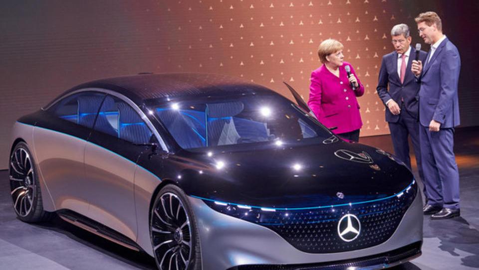 Abwrackprämie ökonomisch unsinnig: Gibt die Politik dem Druck der Auto-Lobby nach?