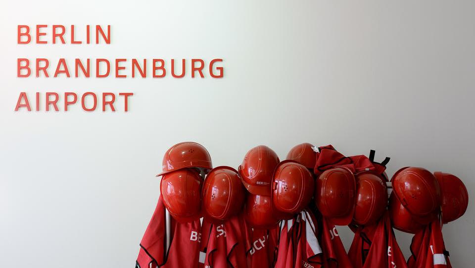Skandal-Flughafen BER: Gleich zur Eröffnung müssen hunderte Mitarbeiter gehen