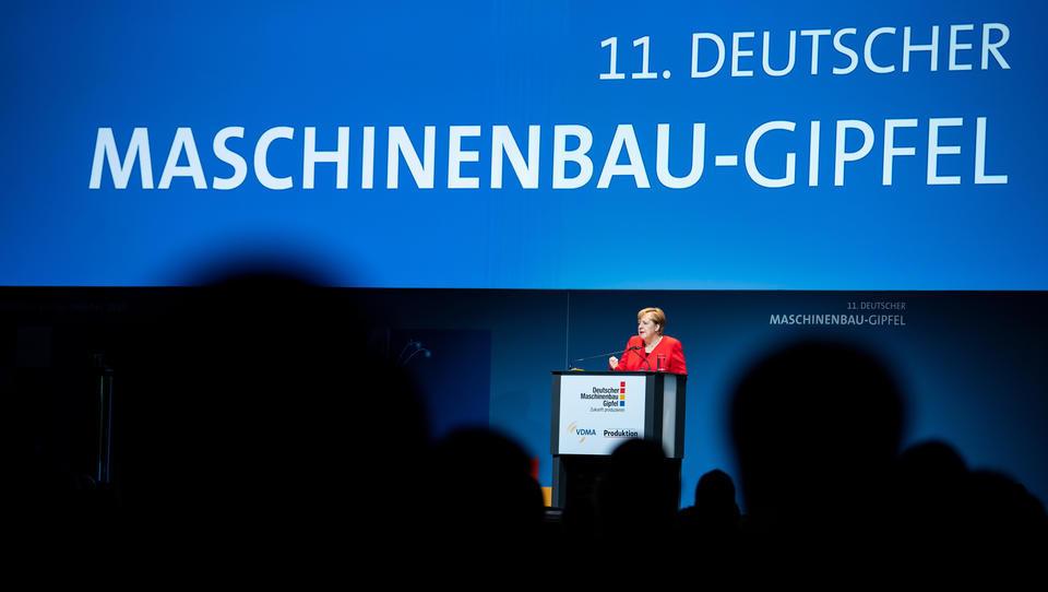 """Merkel nennt Entwicklung des Maschinenbaus """"besorgniserregend"""""""