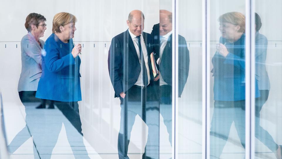 'Unverzeihlich': GroKo drängte Kemmerich zum Rücktritt