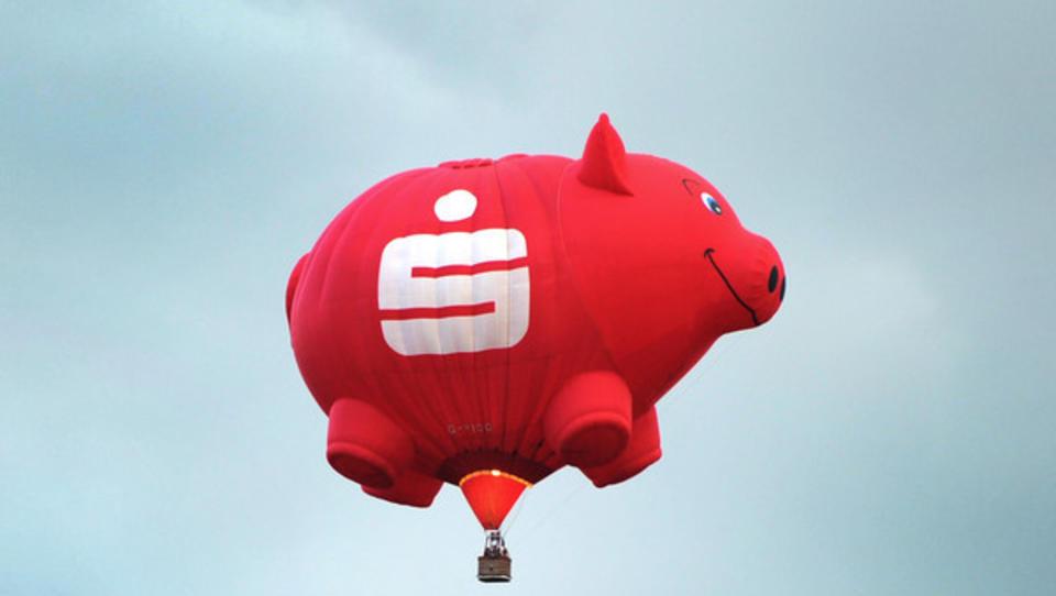 Sparkassen legen jahrelangen Rechtsstreit mit Großbank Santander um die Farbe