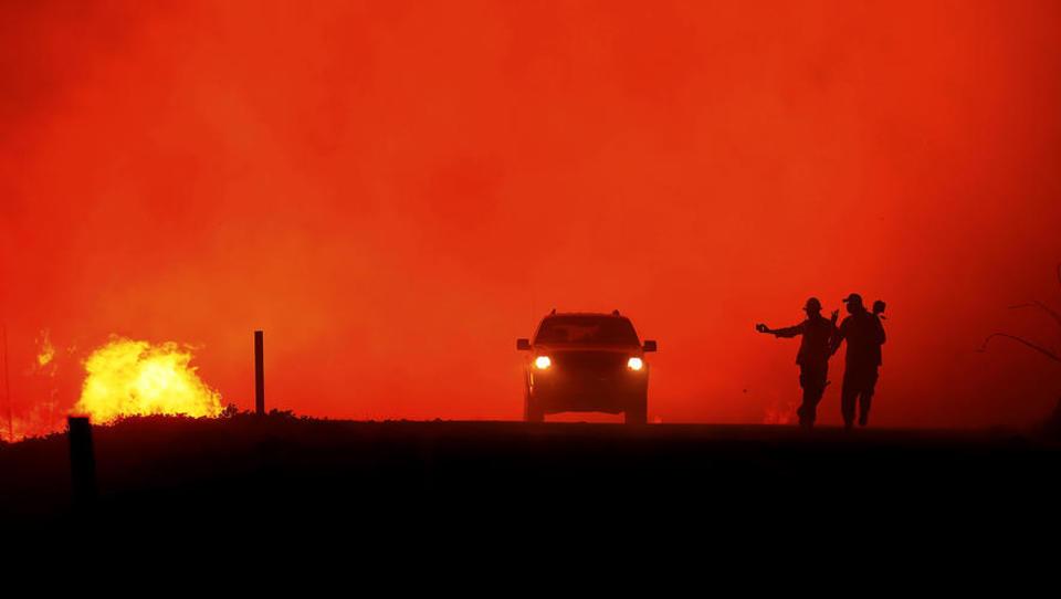 Massive Waldbrände: Zwangsevakuierungen und Notstand in Kalifornien