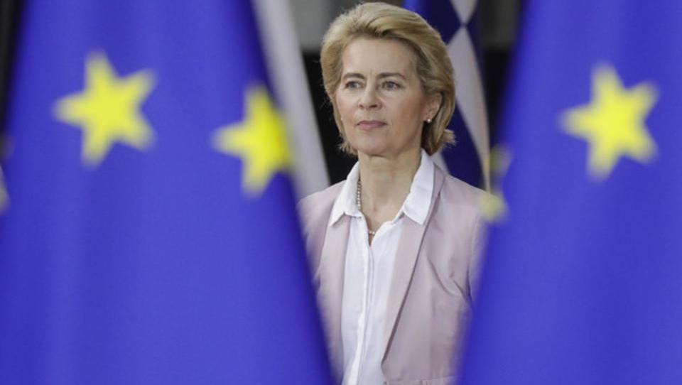 Unter Beschuss: Ursula von der Leyen nimmt es mit Offenlegung von PR-Verträgen nicht so genau