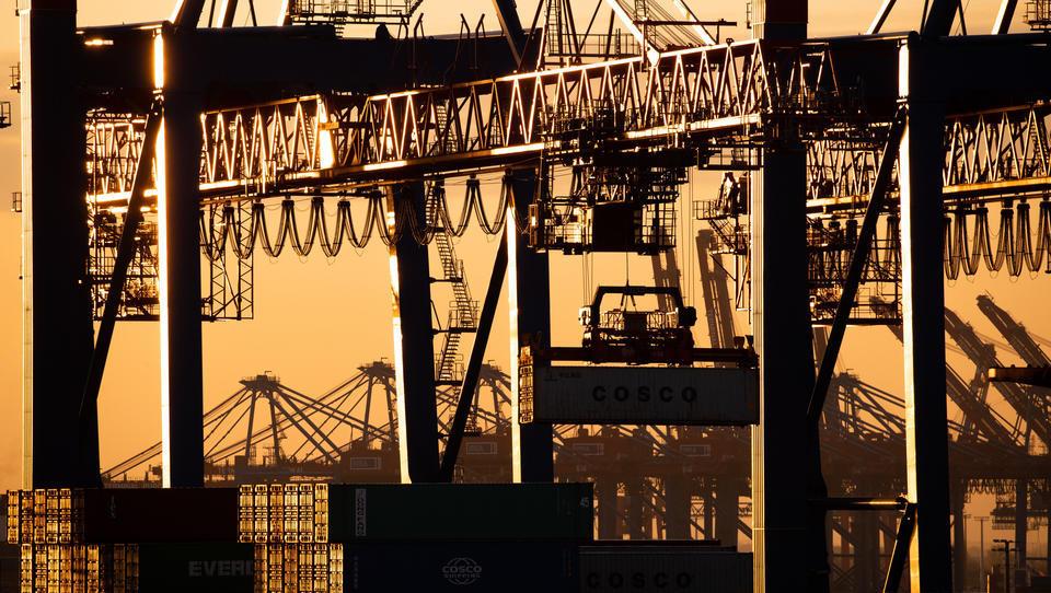 Euler Hermes: Volumen des Welthandels sinkt erstmals seit zehn Jahren