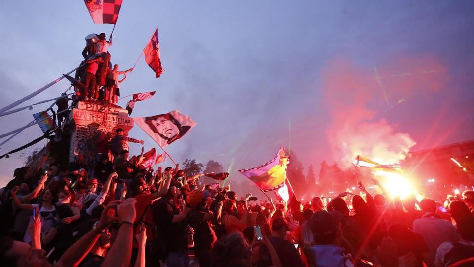 """Ein Jahr """"Gelbwesten"""": Auf dem Globus tobt eine gewaltsame Protestwelle"""