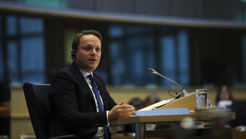 Ungarischer EU-Kommissar will die EU gegen Orban verteidigen
