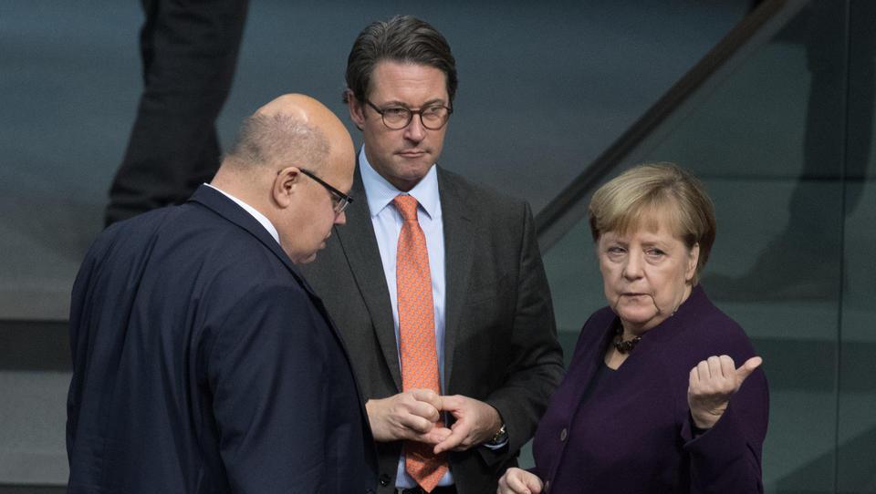 Merkel fordert Senkung der Unternehmens-Steuern