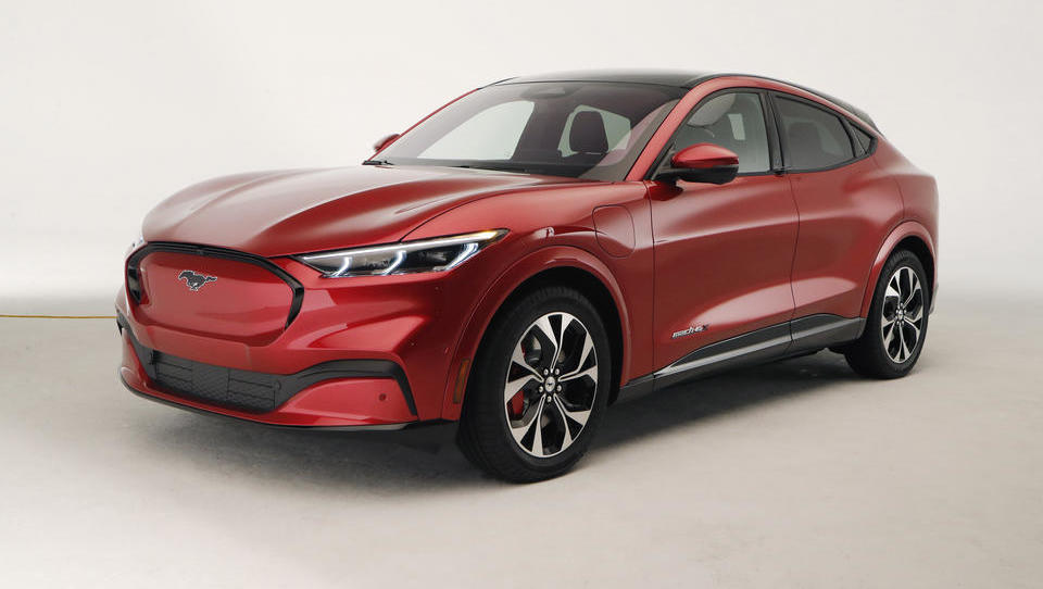 Ford: Rote E-Autos haben besonders große Reichweite