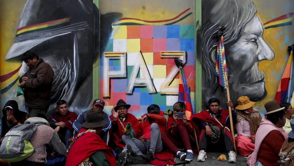 Bolivien: Militärs gehen brutal gegen die indigene Bevölkerung vor
