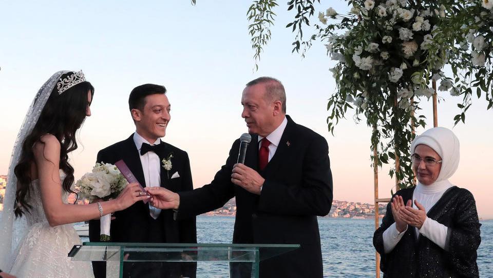 Özil attackiert mit seiner China-Kritik die Türkei