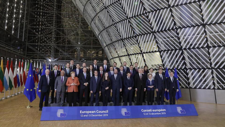 EU lässt Prunkgebäude von Schwarzarbeitern und illegalen Migranten errichten