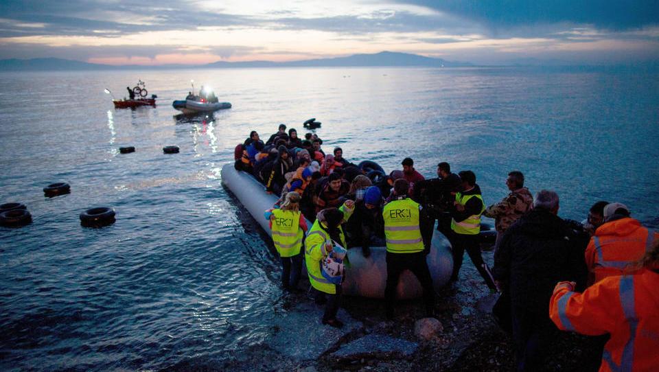 Griechenland: Armee kündigt Bau schwimmender Grenzschutz-Systeme gegen Migranten an