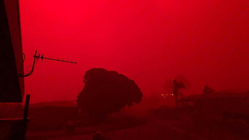 Tausende Menschen in Australien von Buschfeuern eingeschlossen