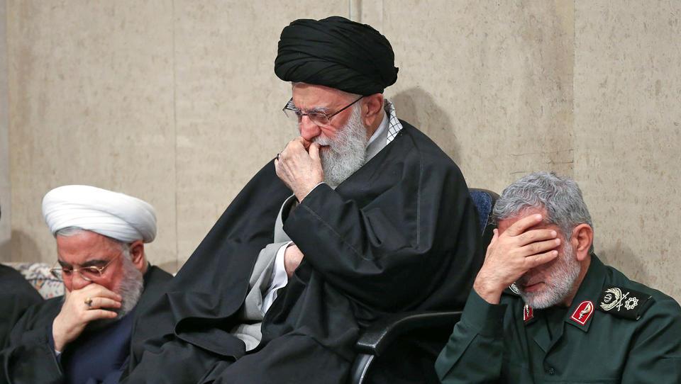 Manipulieren die USA und Saudi-Arabien den Ölpreis, um den Iran in den Bankrott zu treiben?