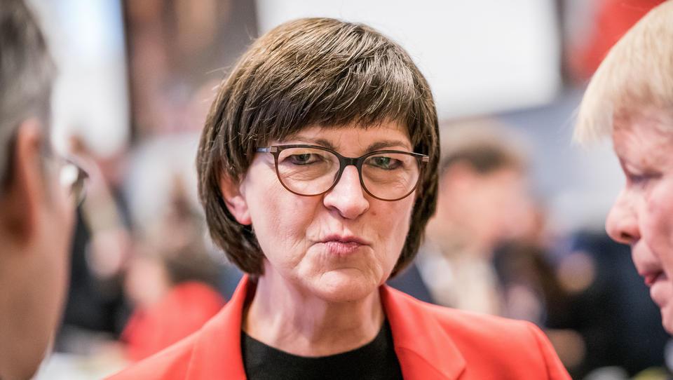 """SPD-Chefin über Masken-Verweigerer: """"Wer bei Rot über die Ampel fährt, kann sich damit auch nicht auf Freiheitsrechte berufen"""""""