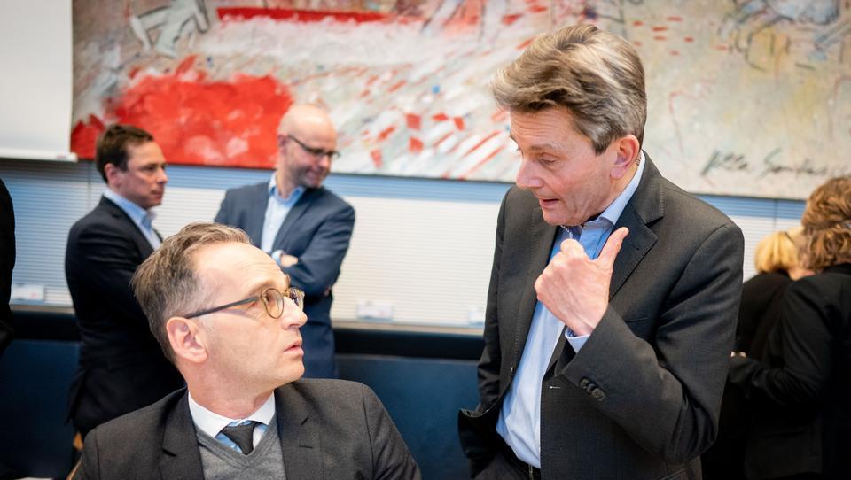 SPD-Fraktionschef fordert Abzug von US-Atomwaffen aus Deutschland